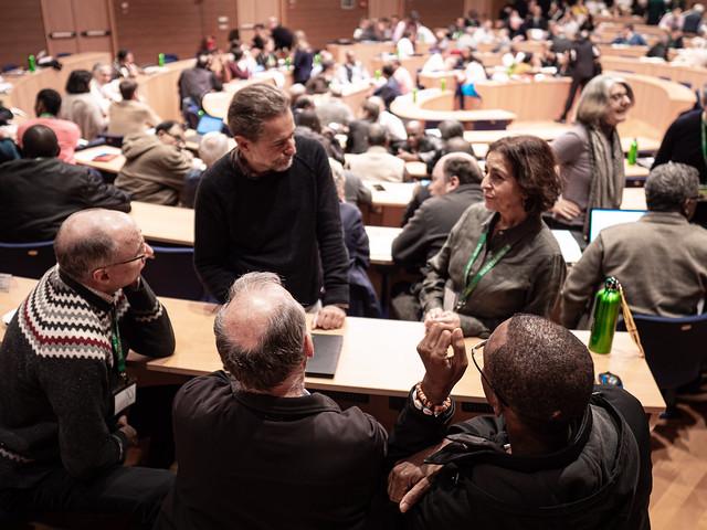 Jenny Cafiso, directrice de Canadian Jesuits International (en haut à droite), avec d